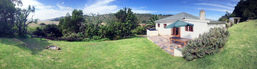 Panorama of The Langvlei Cottage in Nature